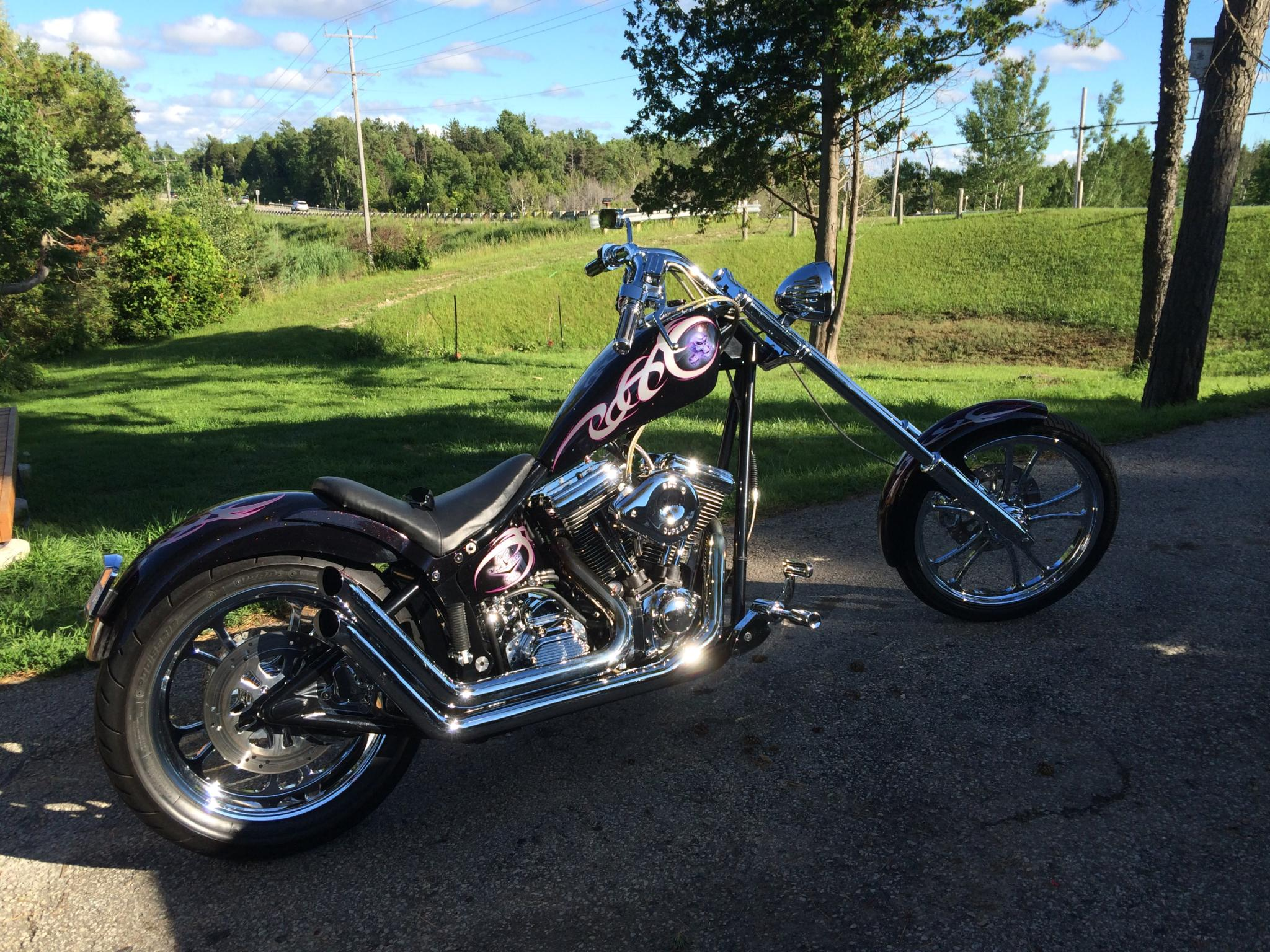 Ben McGowan's Softail Equipped with Sidewinders